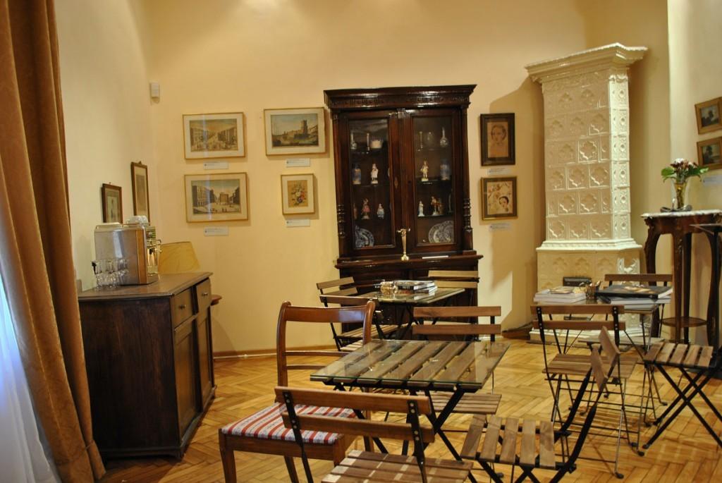"""Salon u kome se može probati čokoladna trota """"kraljica Natalija"""" pripremljena po orginalnom receptu"""