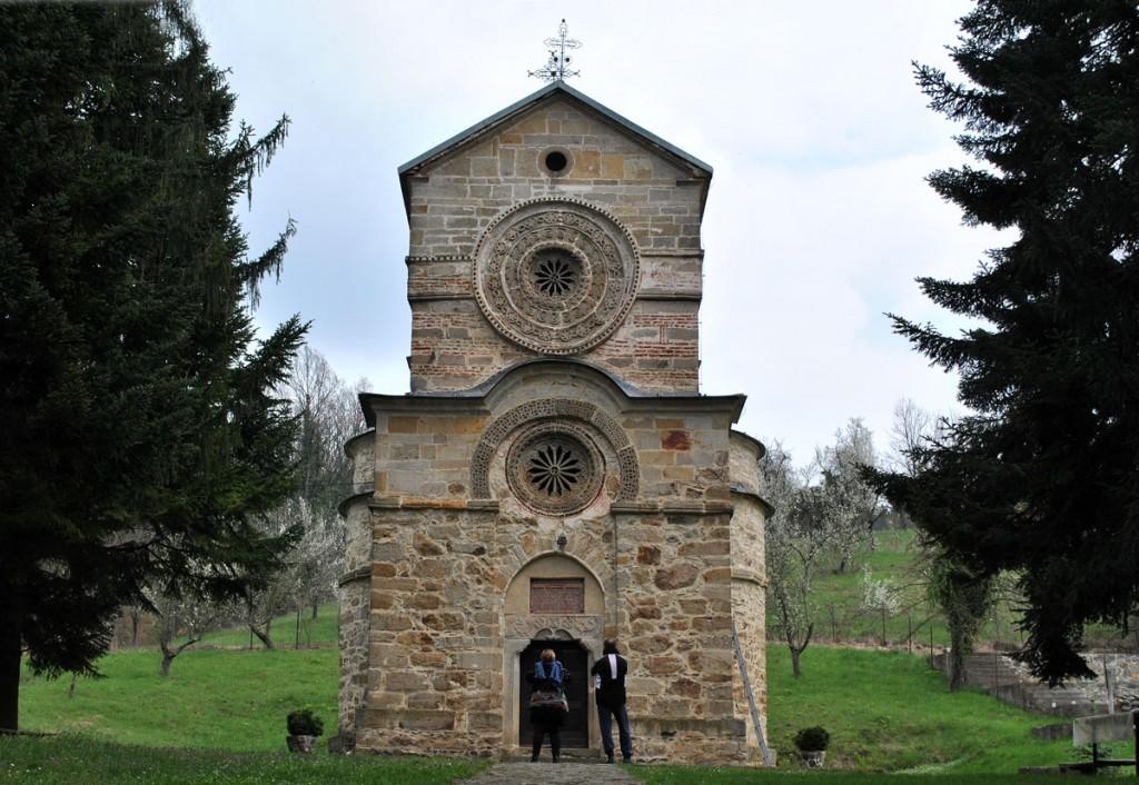 Pogled na crkvu manastira Naupare (zapadni zid)
