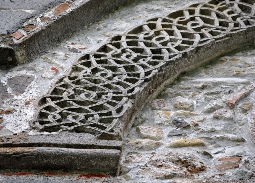 Detalji prepleta sa fasadnih ukrasa