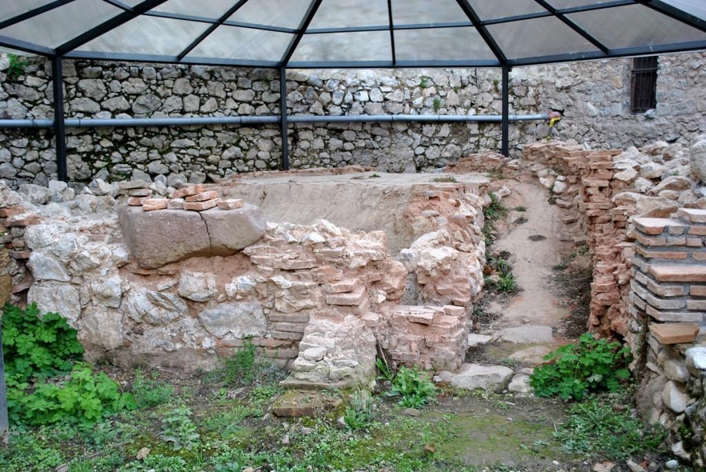 Ostaci manastriske peći