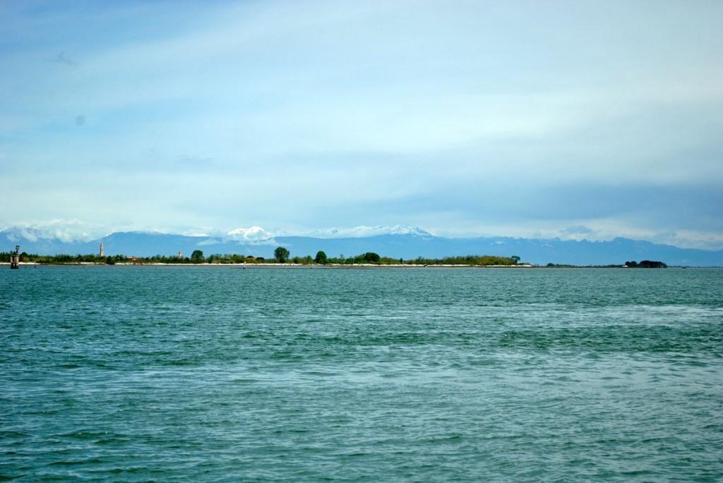 Pogled sa vaporeta na putu za Torčelo
