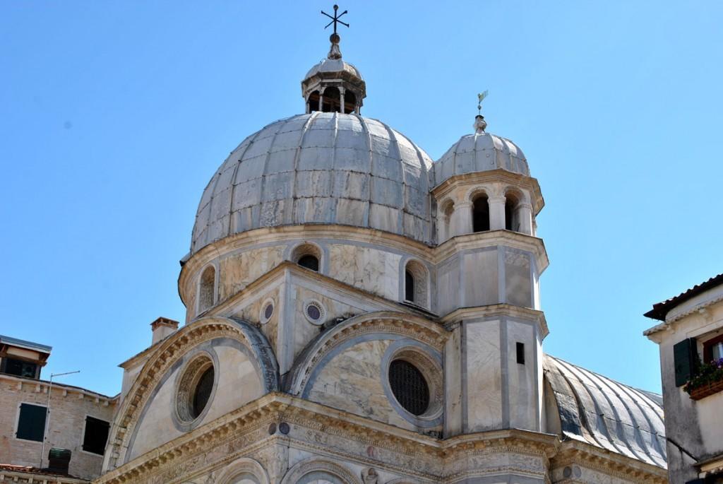 Pogled na jednu od mnogobrojnih venecijanskih crkava