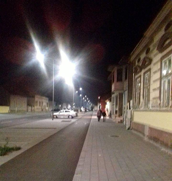 Glavna ulica u Futogu, slikano mobilnim telefonom