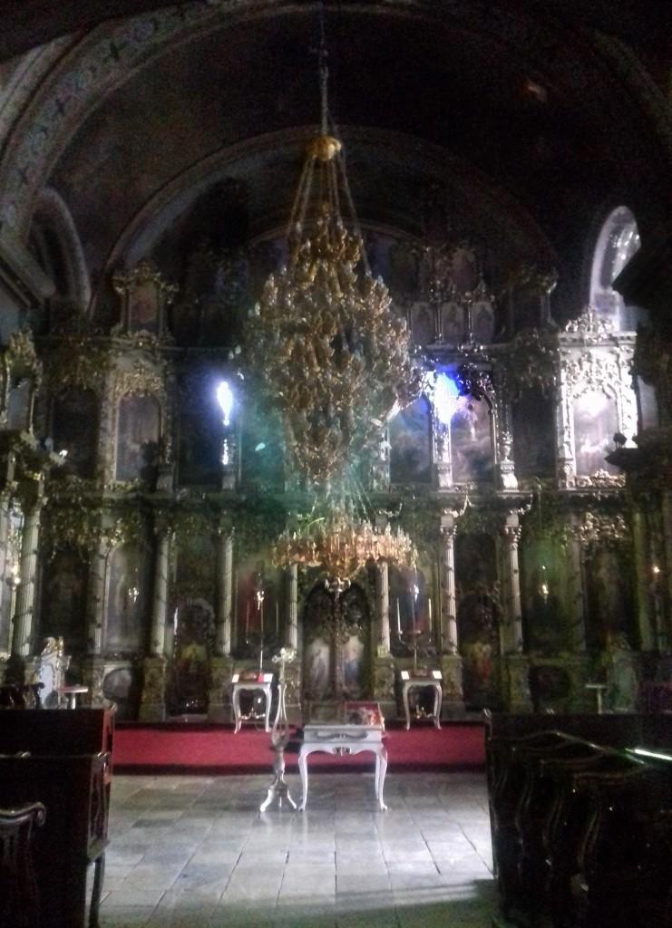 Ikonostas u crkvi sv. Đorđa (fotografisano mobilnim telefonom)