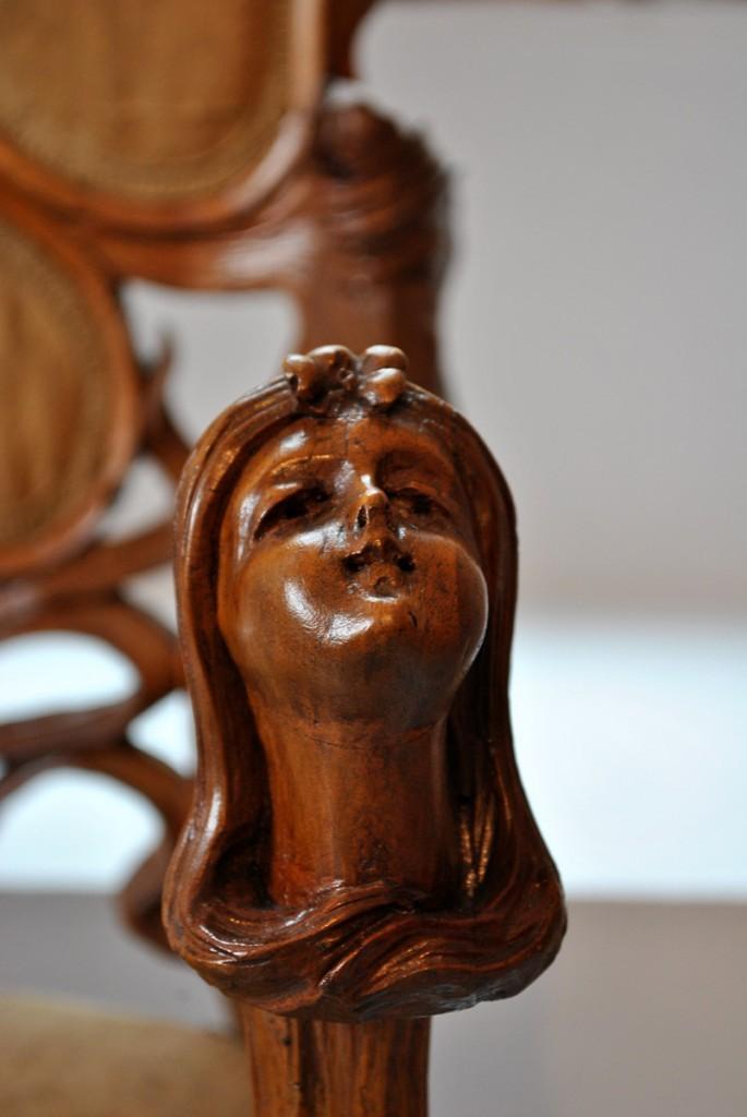 Stolica u stilu secesije, detalj