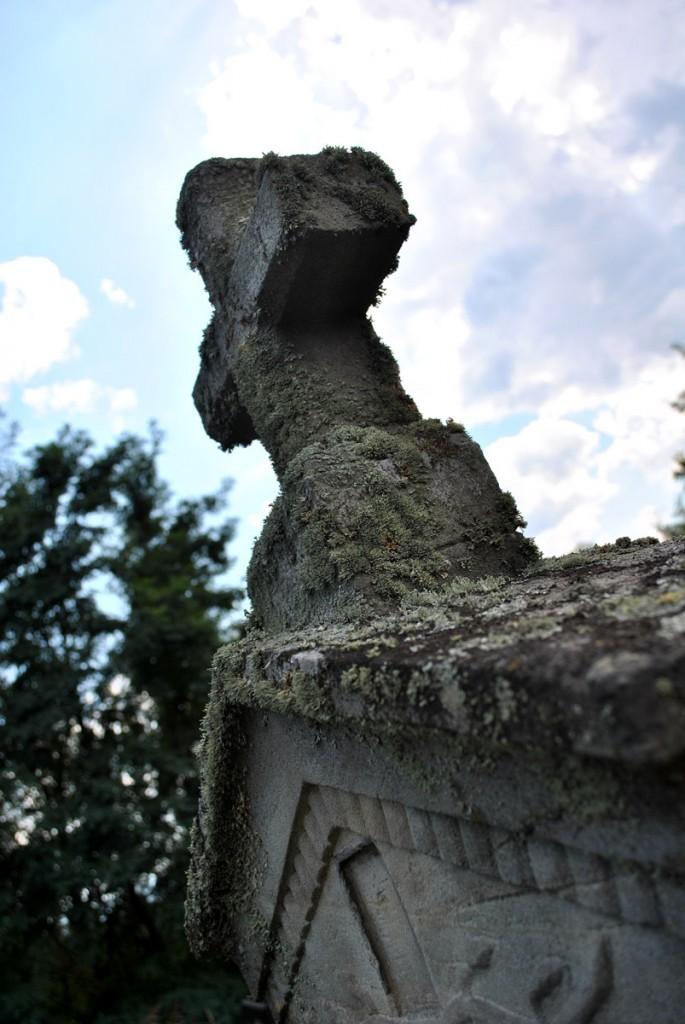 Sa groblja u selu Medveđa