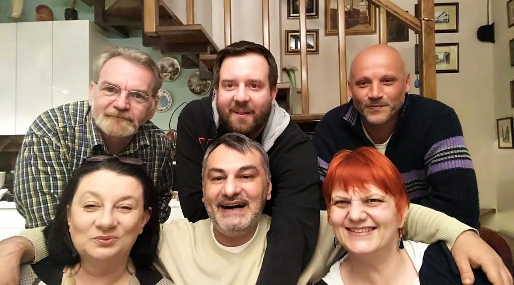 S leva na desno u prvom redu: Dragica Vidaković Jurčević, Kenan Muslić, moja malenkost. Drugi red: Branimir Vidaković Jurčević, Vedran Baljan, Nikola Gračanin
