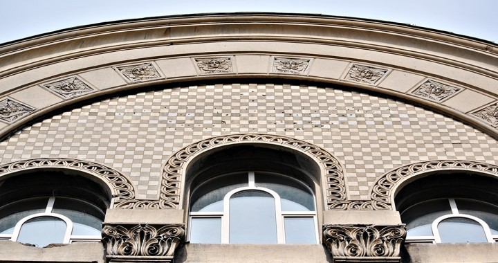 Ženske maske - karakteristika arhitektonske dekoracije secesije