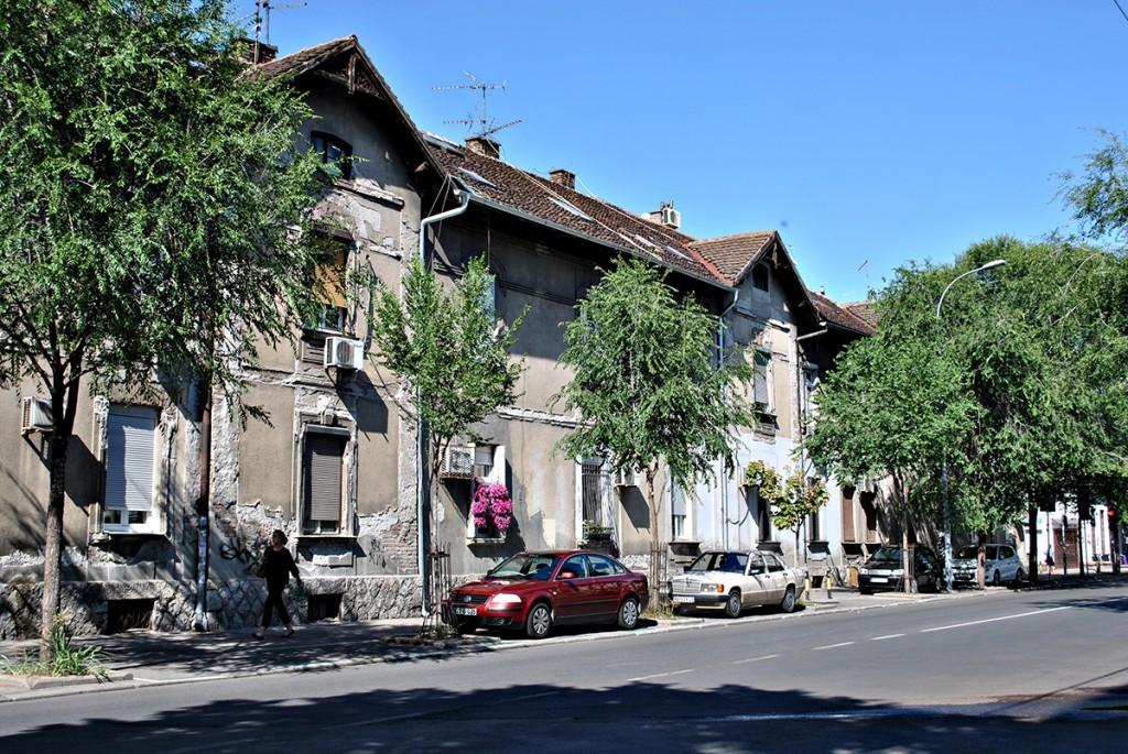 Deo dugačke zgrade duž Vanizelisove ulice