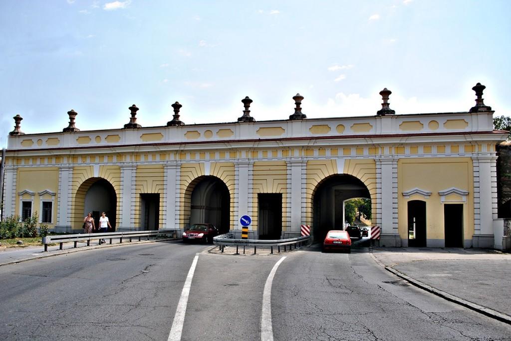 Beogradska kapija - pogled na kapiju iz Podgrađa