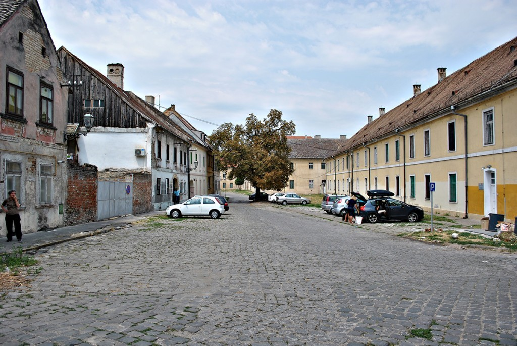 Na desnoj strani Vojna bolnica