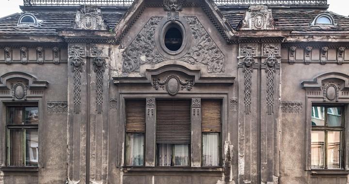 Fasada iz ulice Stevana Sremca, fotografija Roberto Konte (Conte)