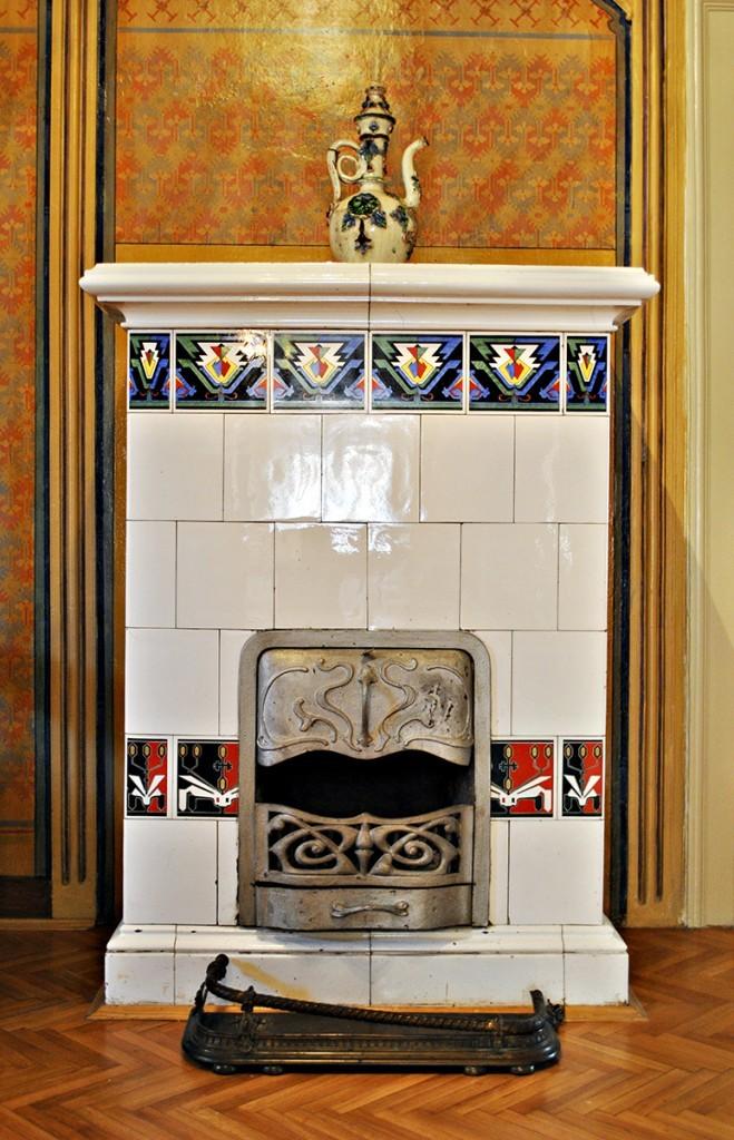 Kaljeva peć izrađena po nacrtu Inkiostrija sa motivima balkanskih ćilima