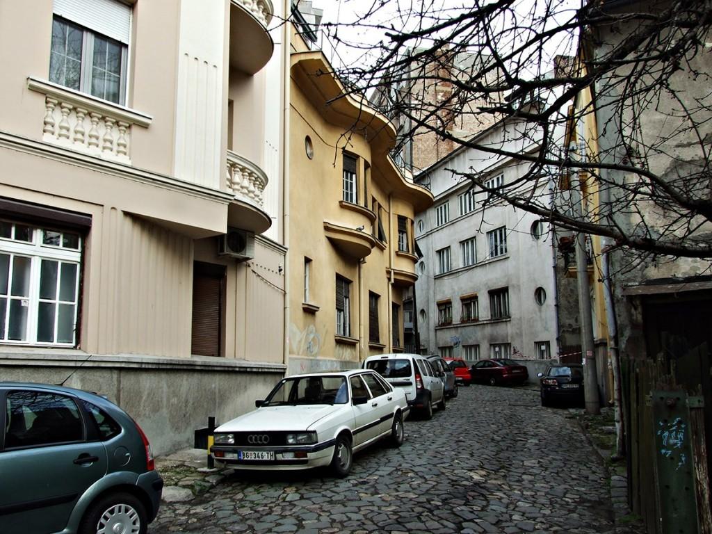 Pogled na porodičnu kuću arhitektonskog para Kojić - fotografija iz marta 2014.