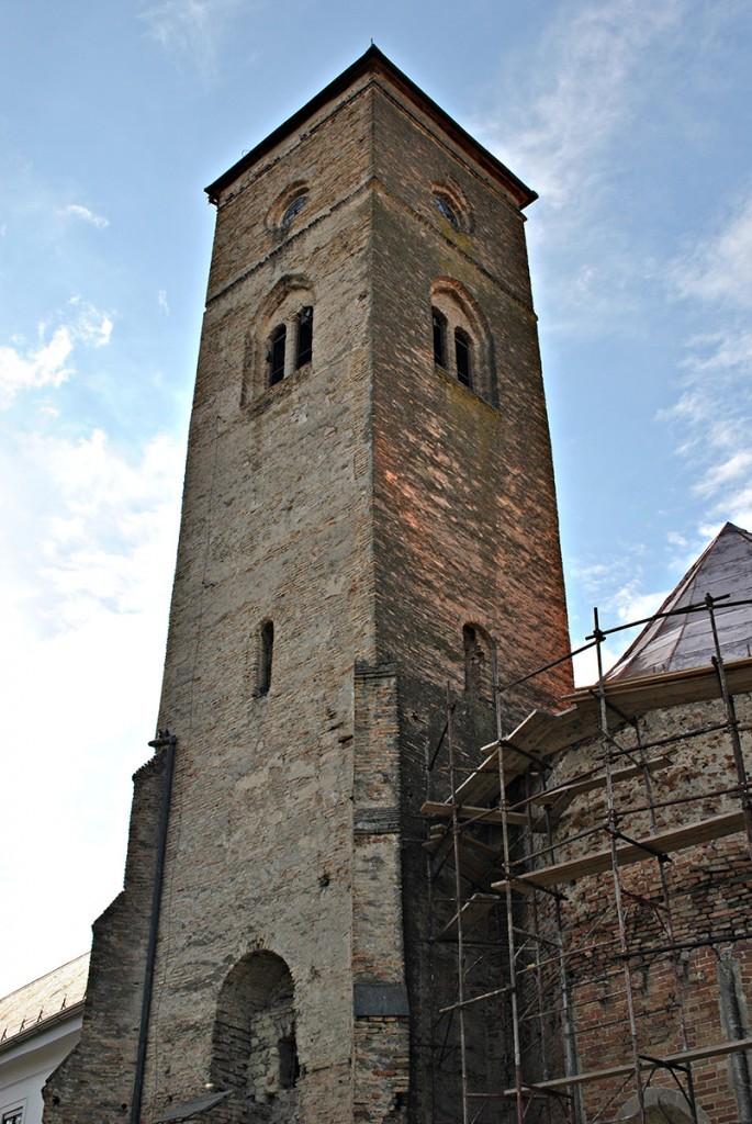 toranj koji su dozidali Franjevci iz Ugarske