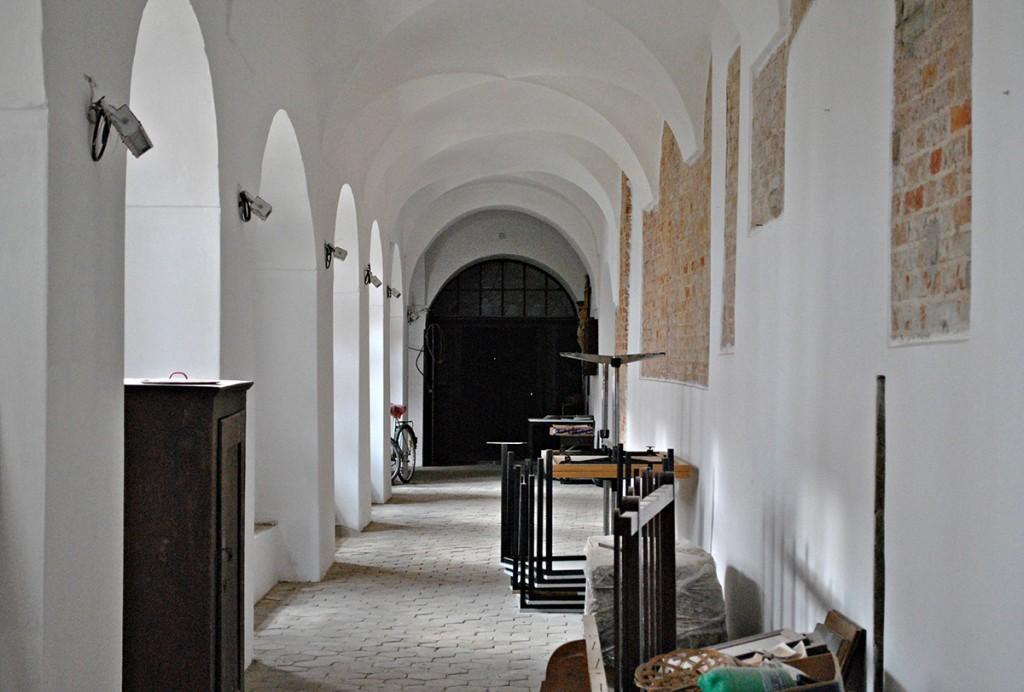 U unutrašnjosti klostera