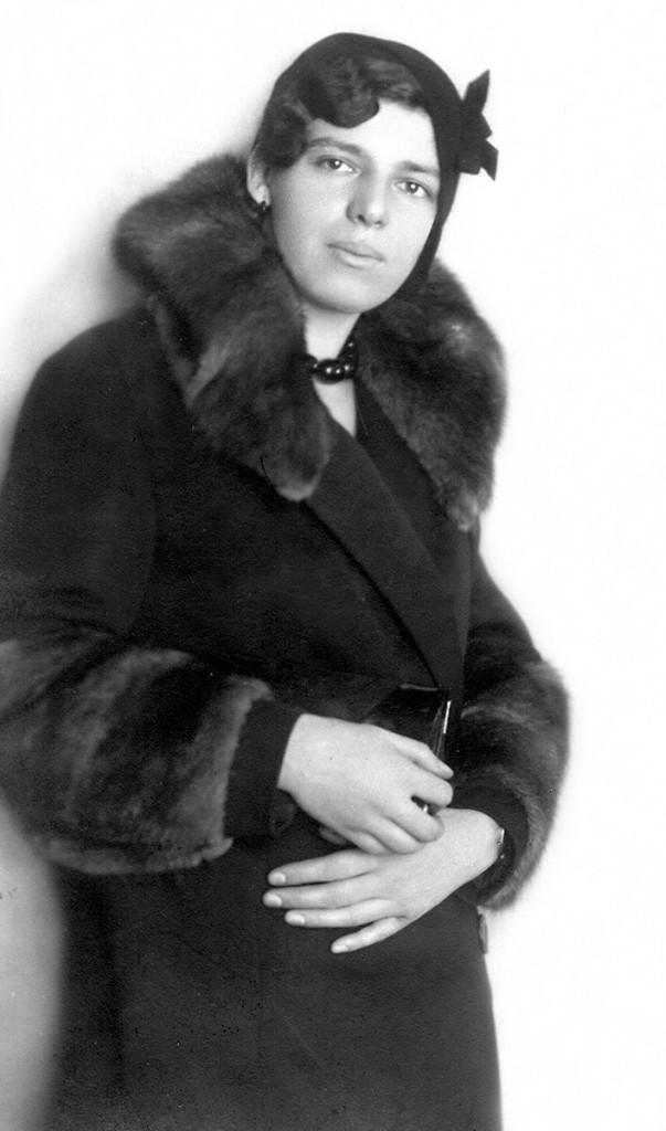 Rebeka Almodaj Jakovljević oko 1932. godine. Fotografija dobijena zahvaljujući mr Bojani Popović