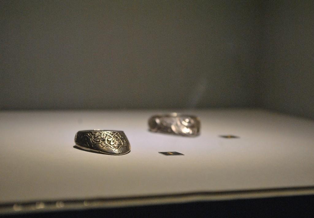 Streličarsko prstenje (nošeni na palcu)