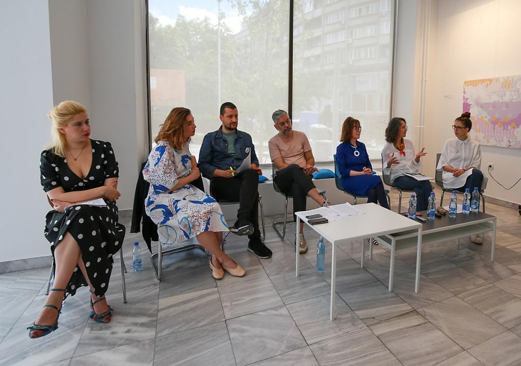 Učesnici konferencije za medije u MPU, s leva na desno: Selena Orb, Maja Mirković, Siniša Ilić, Bojan Dorđev, Ljiljana Miletić Abramović, Tatjana Dadić Dinulović, Romana Bošković Živanović. Foto MPU