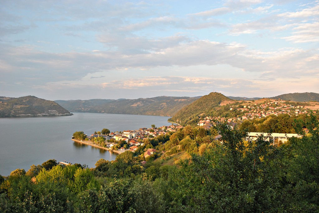 Pogled na Donji Milanovac