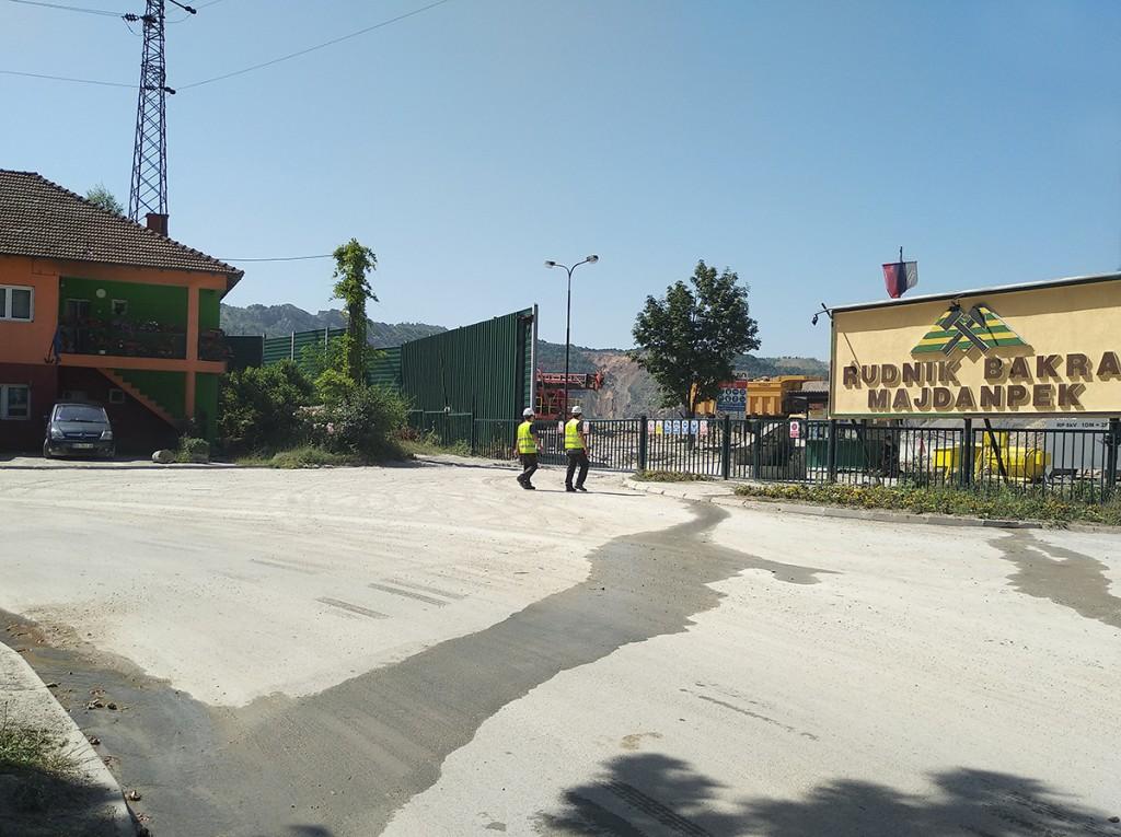 Ulazak na majdanpečke kopovo na kraju glavne ulice