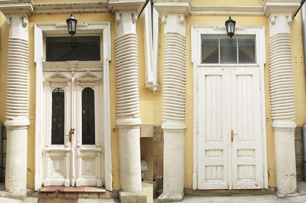 Svrdla za bušenje rudarskih okana kao plastri pored ulaznih vrata na dve kuće Muzeja